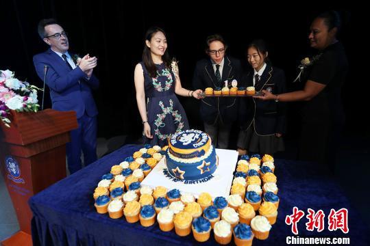 南京英国学校迎来十周年校庆。 泱波 摄